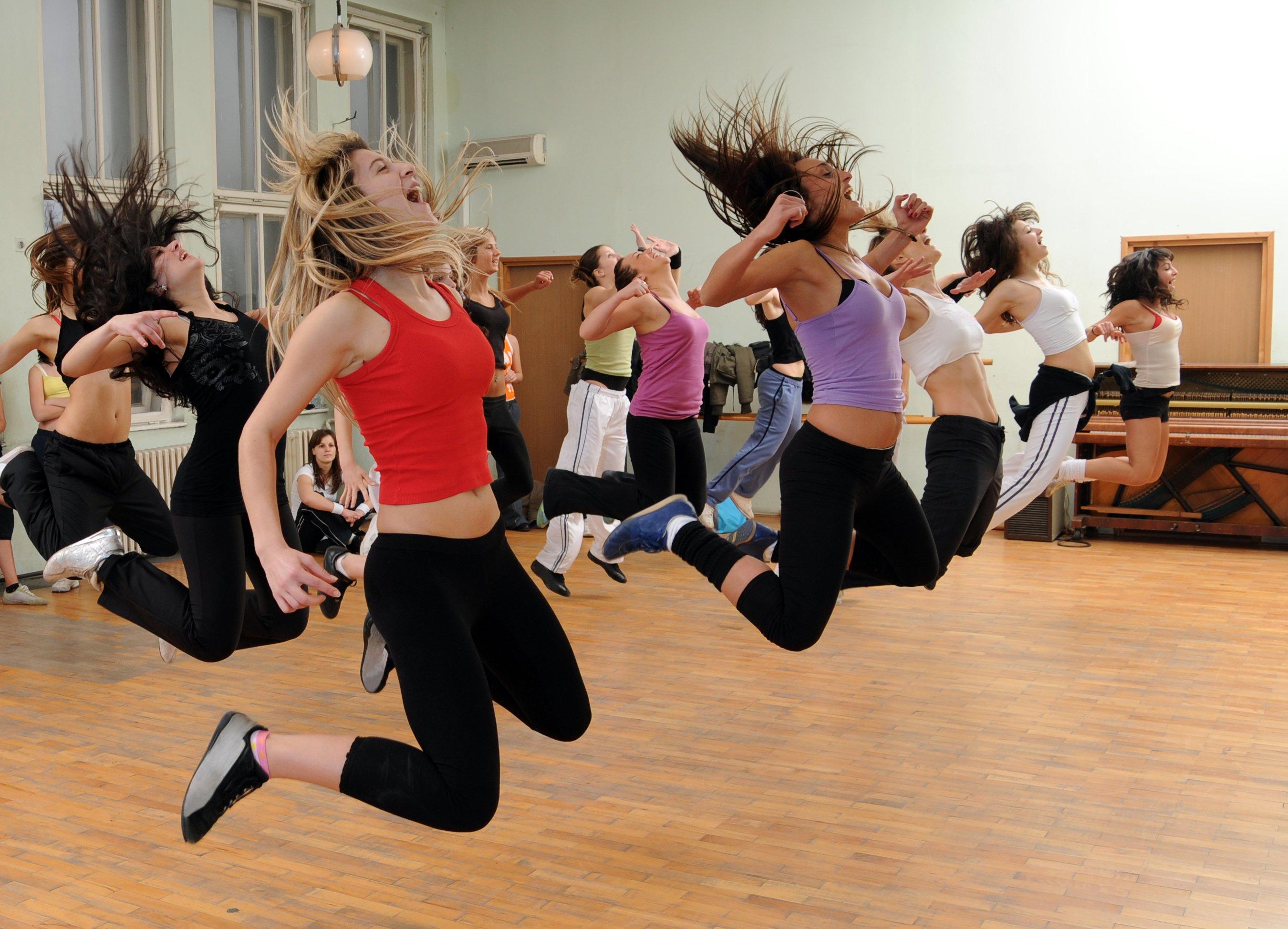 Танцевально-двигательная терапия в программах санаторно-курортного лечения СКО